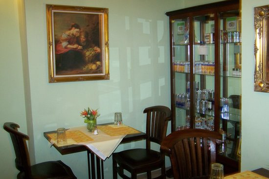 Prague Golden Age : breakfast room