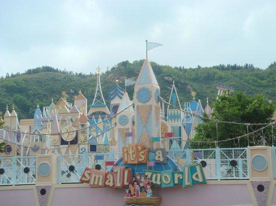 ฮ่องกงดิสนีย์แลนด์: its a small world after all :)