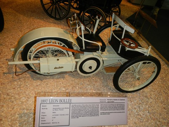 National Automobile Museum : 1897 Leon Bollee