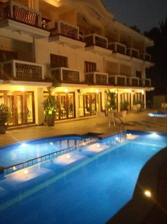 White Pearl Suites : Swimming pool