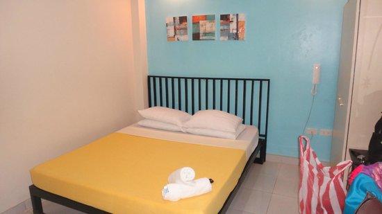 Marianne Home Inn: standard room #305