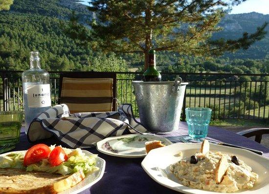 Hotel La Posada de Villalangua: Wonderful dinner overlooking the Pyrenees
