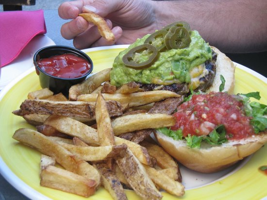 Boca Grande: Mexican burger with chipotle fries
