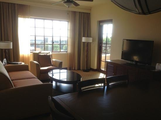 Hilton Grand Vacations Club at MarBrisa: living area