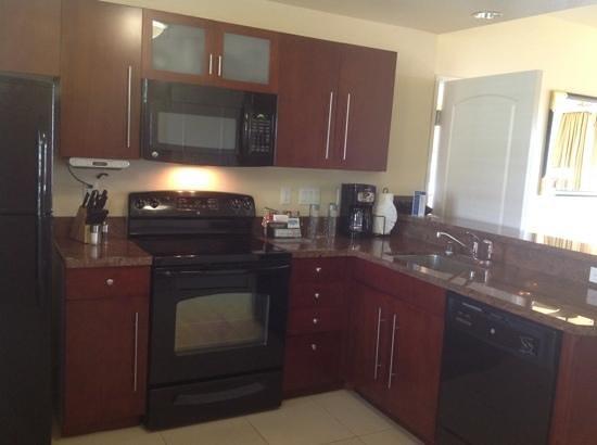 Hilton Grand Vacations Club at MarBrisa: fully stocked kitchen