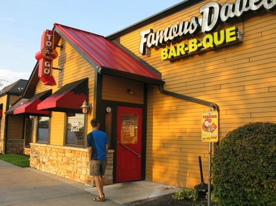 Famous Dave's : Famous Daves--just steps away from the Hampton Inn
