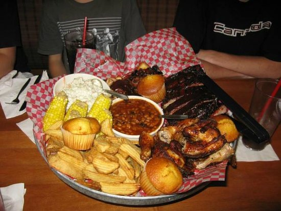 Famous Dave's : The All American BBQ Feast--lots to eat!