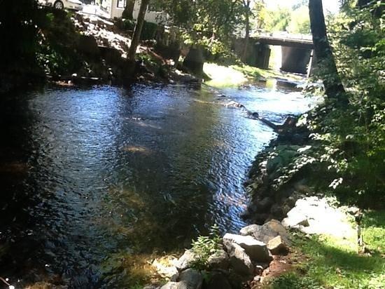 Deer Creek Inn : Deer Creek