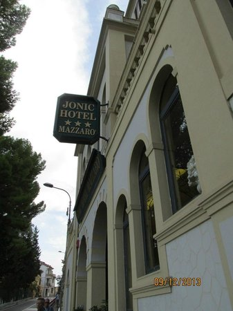 Jonic Hotel Mazzaro: hotel front