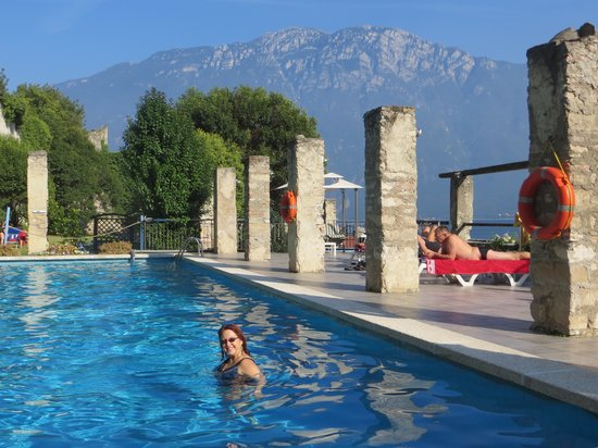 Hotel Villa Romantica : Cold water but what a view
