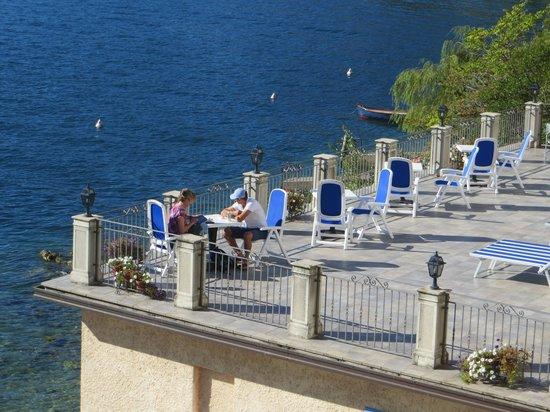 Hotel Villa Romantica : Chilling on the deck.