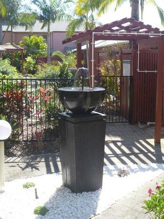 Weyba Gardens Resort Noosa: Water feature