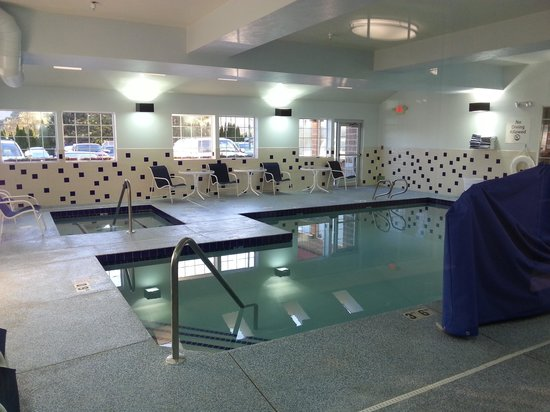 Holiday Inn Express Wenatchee: Pool
