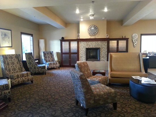 Holiday Inn Express Wenatchee: Lobby