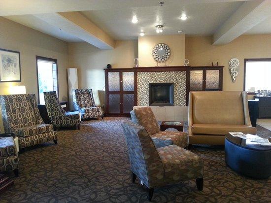 Holiday Inn Express Wenatchee : Lobby