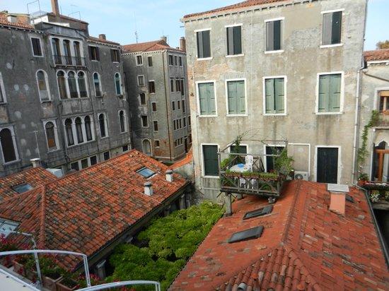 Hotel Bisanzio: Balcony view