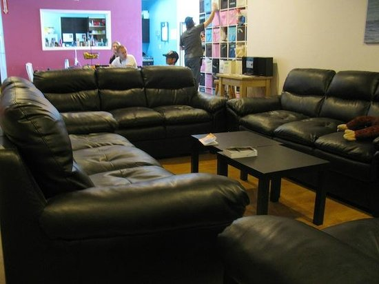 Wicked Hostels - Calgary: Common area