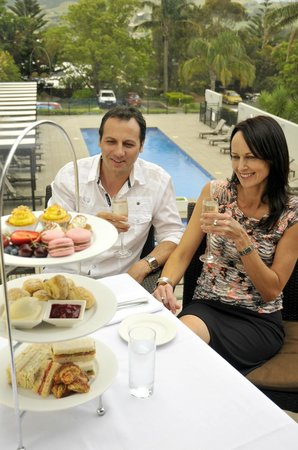 Bella Char Restaurant + Wine Bar: Poolside High Tea