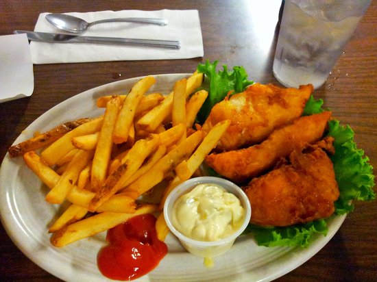 Nancy's Airport Cafe: Fish Fry Night!