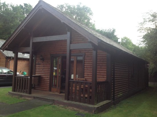 Tilford Woods Lodge Retreat: Home for five days