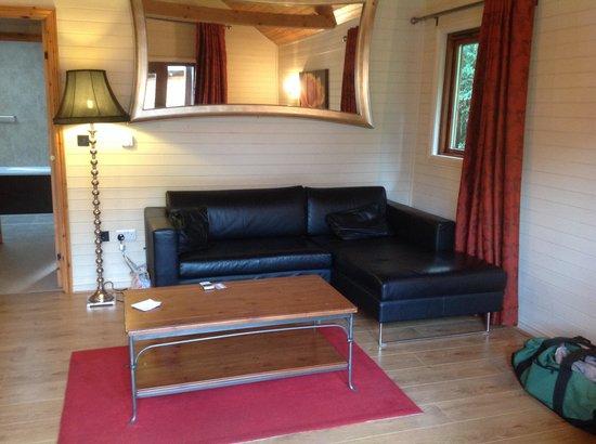 Tilford Woods Lodge Retreat: Lounge