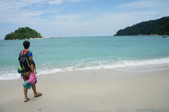Coral Beach: The beach
