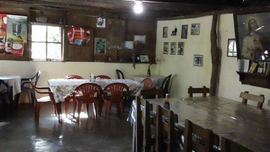 Eco - Hospedaje Ranchitos del Quetzal: Dining area
