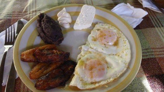 Eco - Hospedaje Ranchitos del Quetzal: Breakfast