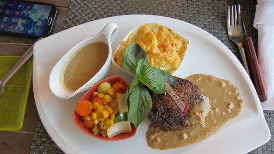 Bordiehn's Restaurant B's at Marina: thje best cut steak