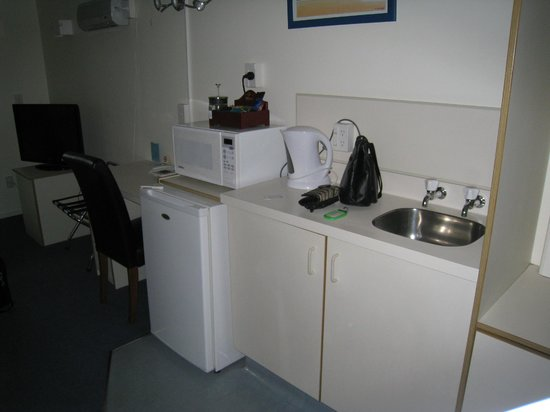 Wrights by the Sea Motel : Kitchenette