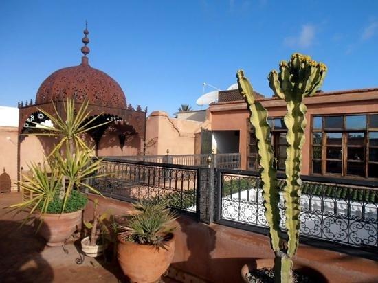 Riad Dar Nadwa: la terrasse tôt le matin...
