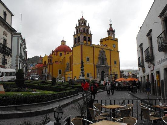 Basilica of Our Lady of Guanajuato : Basilica Exterior