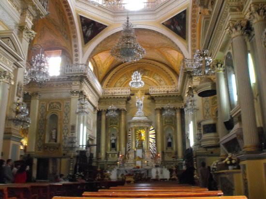 Basilica of Our Lady of Guanajuato : Basilica interior
