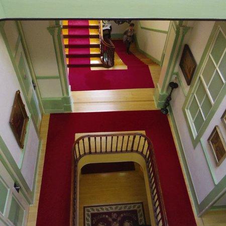 Grande Hotel de Paris : 吹き抜けの廊下