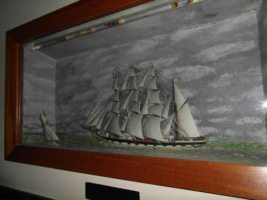 Lord Nelson Hotel: Elke slaapkamer heeft een vitrine met een eigen modelschip