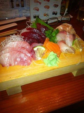 Koiso Sushi Bar : sashimi combo