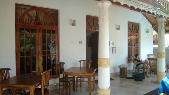 Serendib Guest House: The entrance of the house