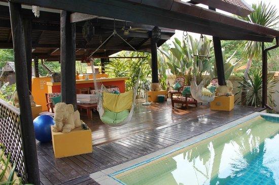 Dreamcatchers B&B : Relaxing cabana area