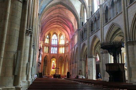 Cathédrale Saint-Cyr-et-Sainte-Julitte