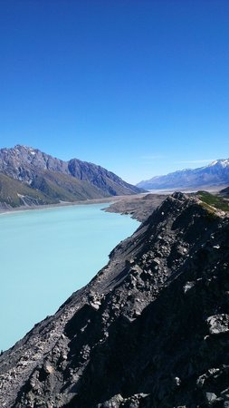 Tasman Valley 4WD & Argo Tours : Tasman Valley, Mt Cook (access via argo tour)
