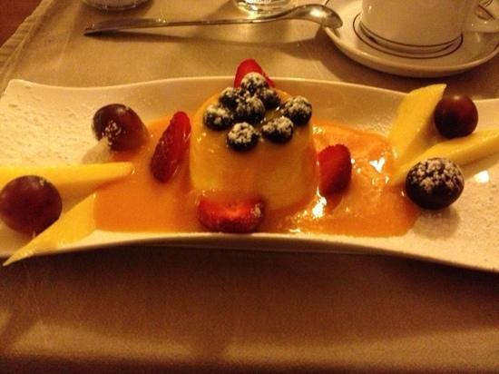 Pizzeria Osteria da Giovanni: The superb, lemon panna cotta