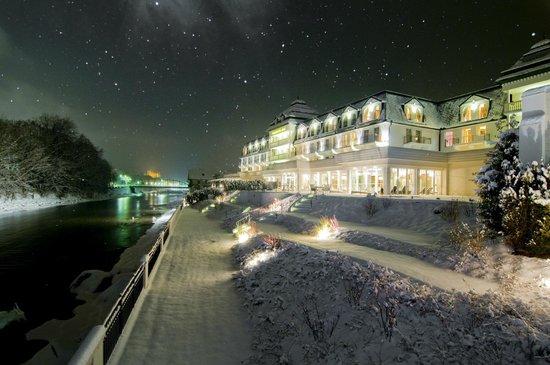Grand Hotel Lienz: Grandhotel Lienz bei Nacht