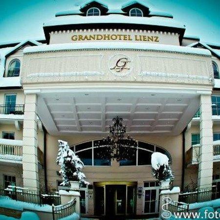 Grand Hotel Lienz: Haupteingang