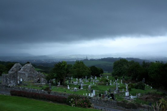 Aghadoe Heights Hotel & Spa: View towards cemetary