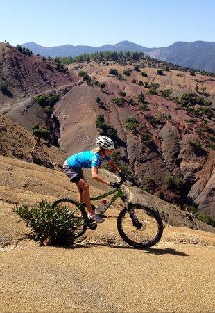 Marrakech Bike Action: Beautiful landscape and flowing singletrails :)