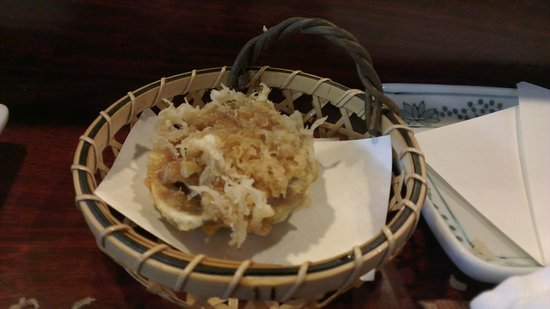 Shinjuku Tsunahachi So-honten: Ball of shrimps - deep-fried small shrimps (kakiage)