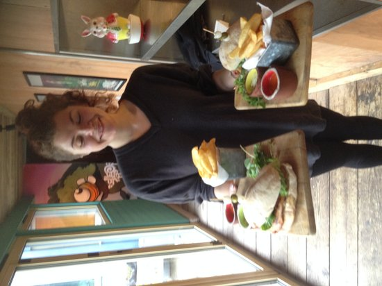 The Sheppey: Chicken buger rommy and rabbit
