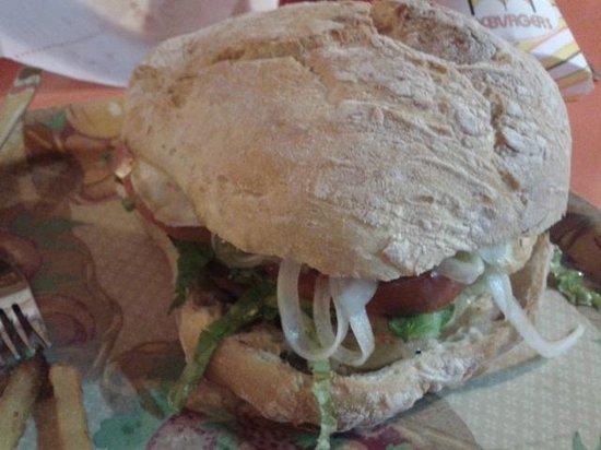 Mc Burger: hamburguesa en pan de bolla