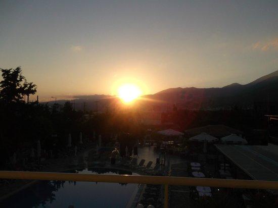 Anastasia Hotel: Sunrise from the balcony