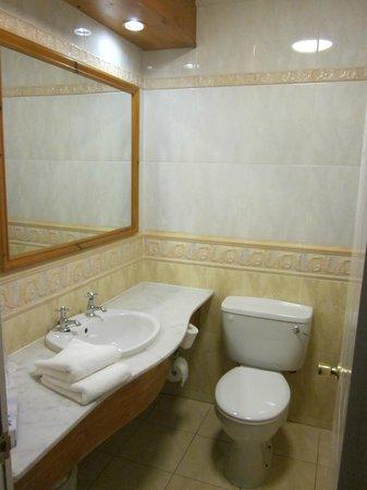 Great Southern Hotel Sligo: interno bagno